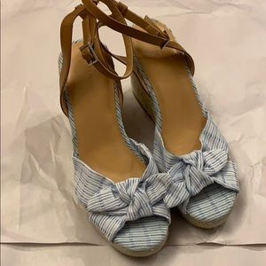 Nautica Sandal Wedges blue and white size 10